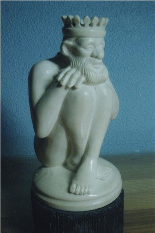 Шахматная фигура Король (бивень мамонта)