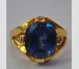 золотое кольцо с 6 каратным сапфиром и бриллиантами!