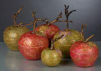 Яблоки-шкатулки.